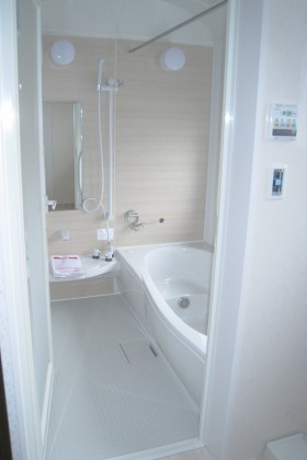 ガレージ付き住宅_浴室