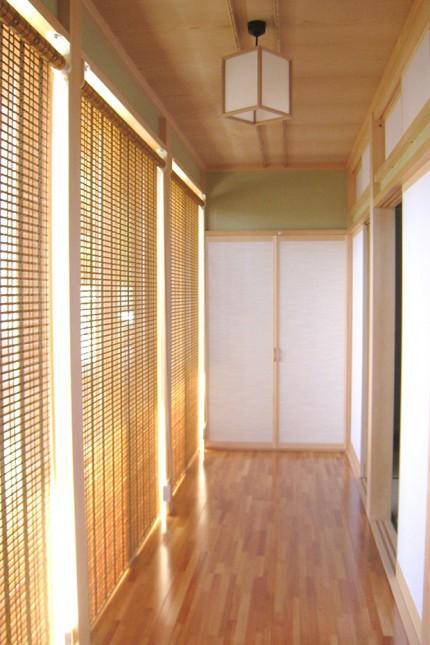 炭よい日本の家_廊下