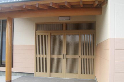 炭よい日本の家_玄関