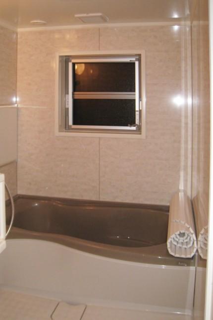 育ち盛りの子供を持つ、若夫婦が建てたこだわりの家_浴室