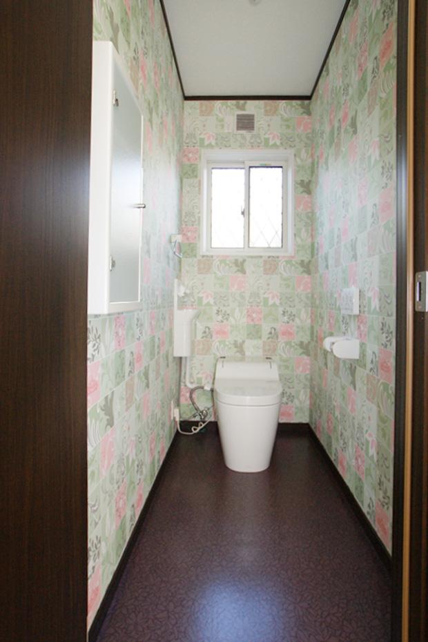 子供の顔が見える家_トイレ