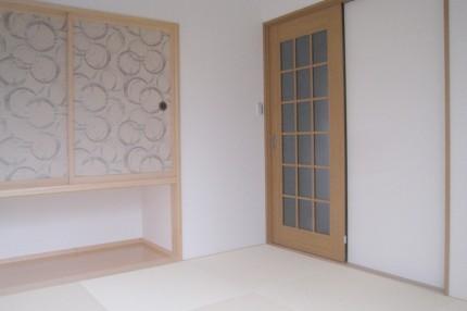 モノトーンで統一したシンプル・モダンな家_和室