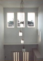 白い内装の家_照明