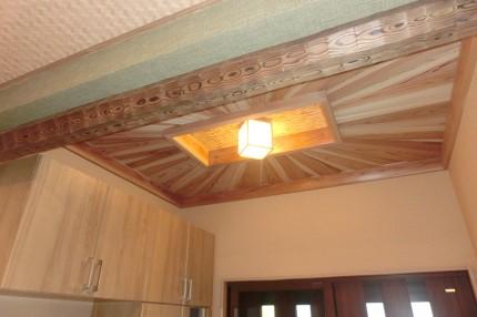 木心地の良い家_玄関天井