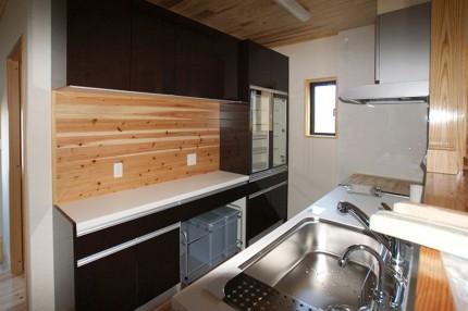 和風が好きな家族の家_キッチン