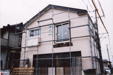 車庫からバルコニー付き2階建に変わる家_耐震補強中の様子