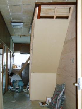 耐震補強の家_玄関ホール施工中2